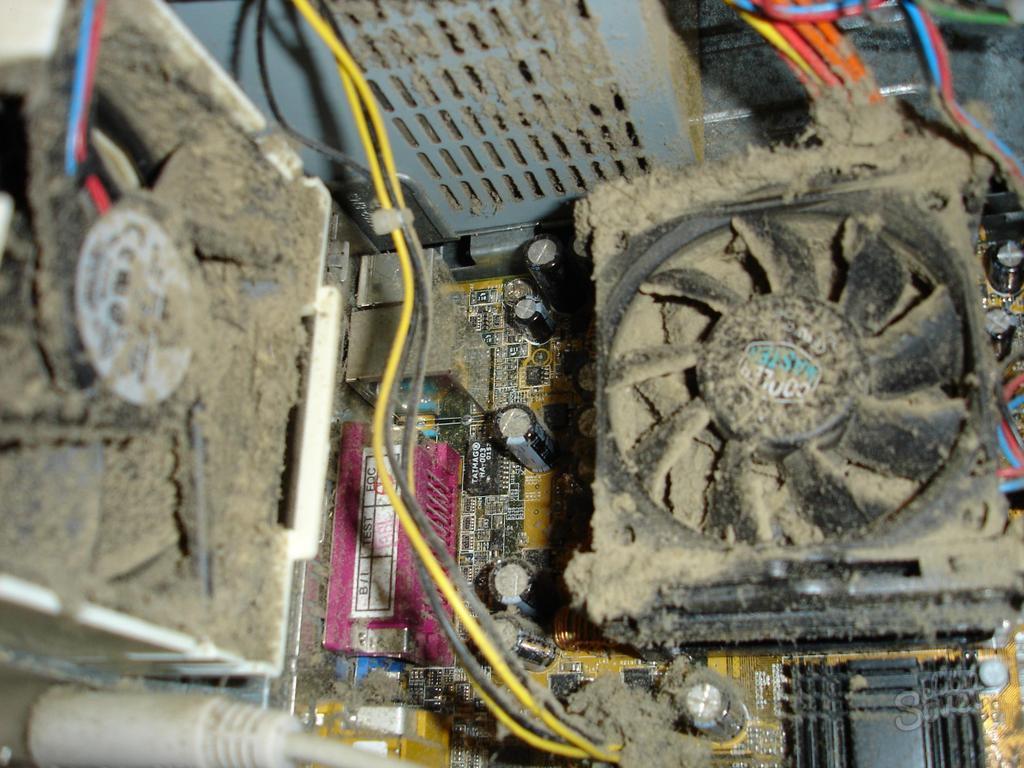 Почему ноутбук очень сильно шумит