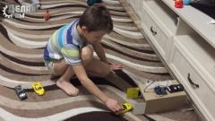 Автоматический игрушечный гараж своими руками на Ардуино